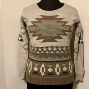 AMERICAN EAGLE CREW NECK SWEATER- S